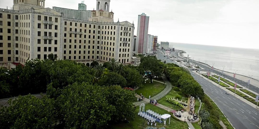 havana hotel nacional garden wedding