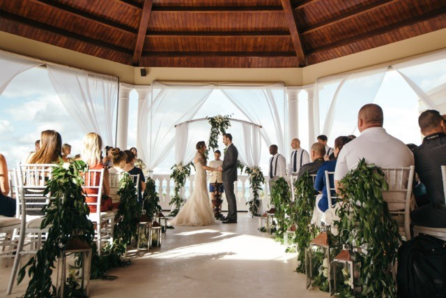 trending green vintage wedding in varadero