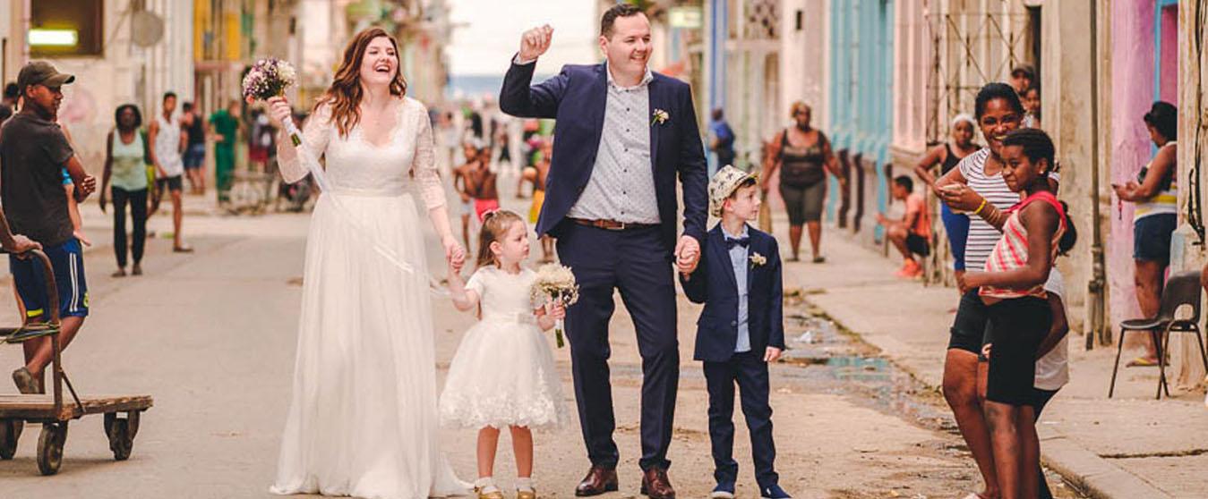 Wedding in Havana, Cuba Streets