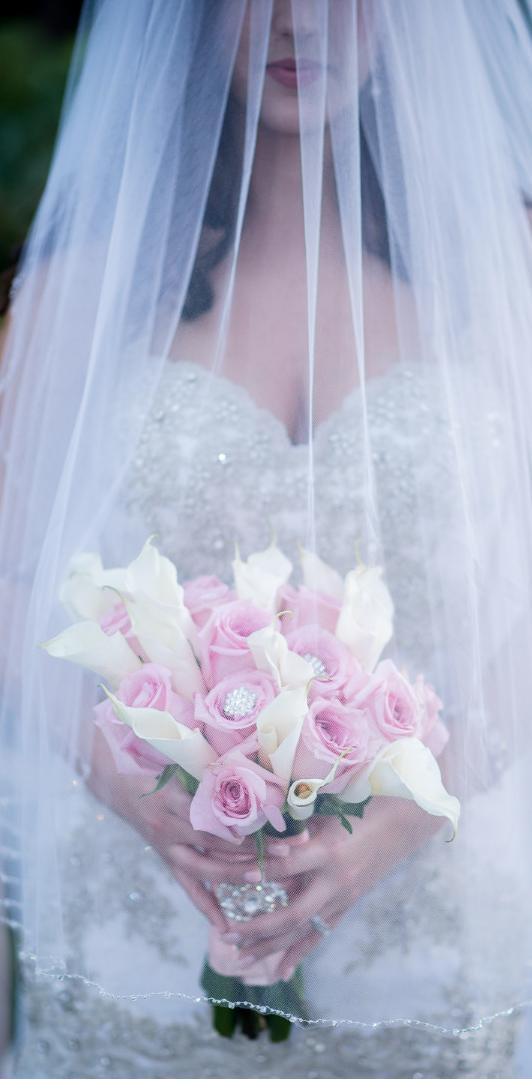 elegant havana bouquet wedding cuba