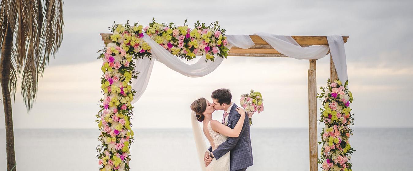 Boda en Cuba- Boda en la playa- Decoración de bodas- Aire de Fiesta Cuba