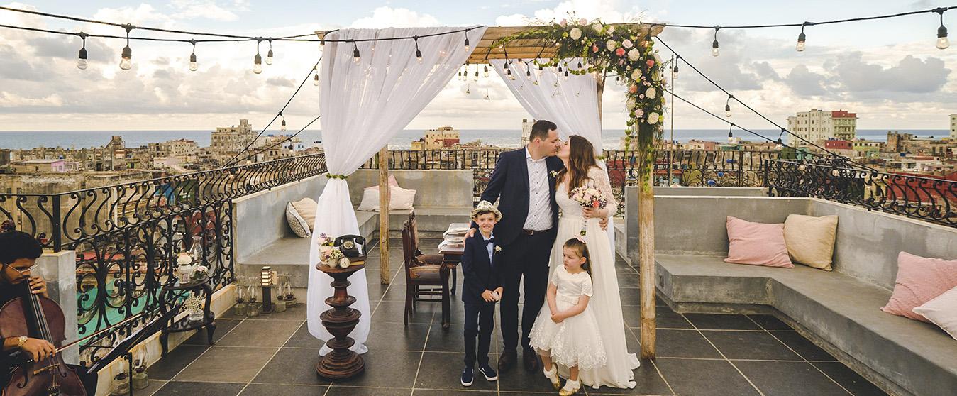 elopement-wedding-laguarida-havana-cuba